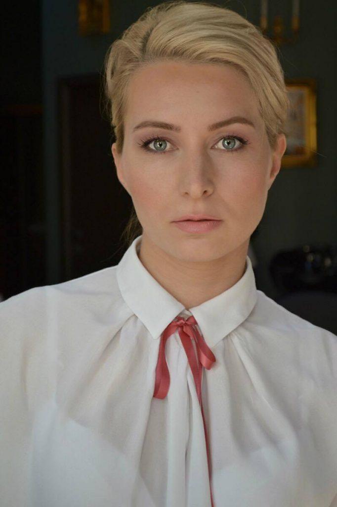 Roxana Pricop - la două săptămâni după plasmolifting, cu machiaj natural, foto și make up, : Ana Popescu (Shadows Boutique)
